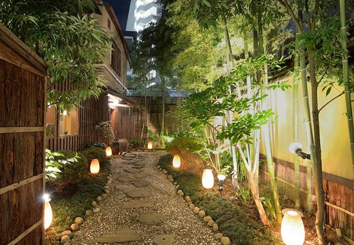 đèn sân vườn